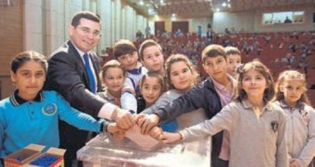 Kepez'de çocuklar söz sahibi oldular