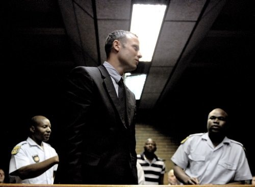 Oscar Pistorius'un çıkarıldığı mahkemeden çok özel görüntüler