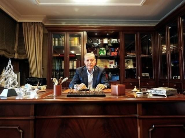 Ara Güler'in fotoğrafladığı siyasetçiler ve ünlüler
