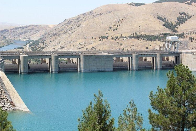 Atatürk Barajı çiftçiye can suyu oldu