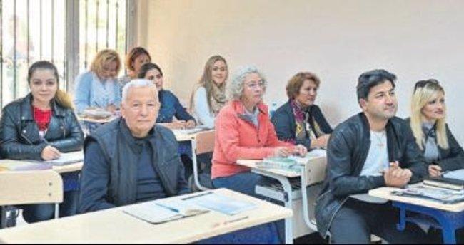 13 ülkeden geldiler Türkçe öğreniyorlar