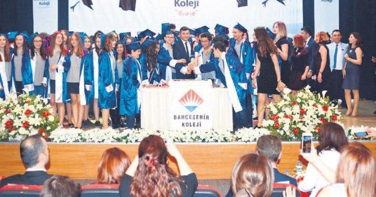 Bahçeşehir'de mezuniyet coşkusu