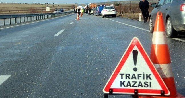 Motosiklet polis otosuna çarptı :1 Ölü 1 Yaralı