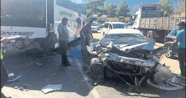 Akseki'de kaza 3 ölü 2 yaralı