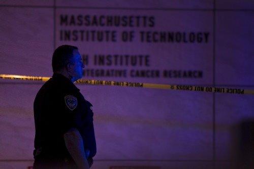 MIT kampüsünde dehşet anları