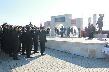 Türkiye'nin en büyük ikinci şehitliğinde zaferin 102'nci yılı anıldı!