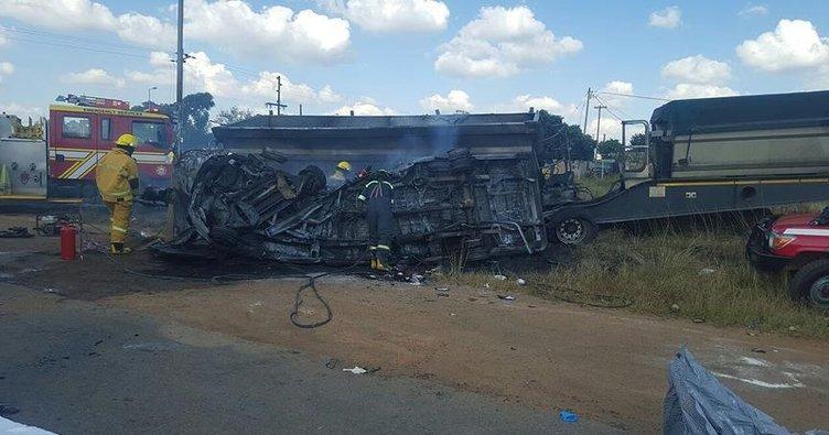G. Afrika'da kazada 20 çocuk hayatını kaybetti