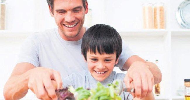 Kurban etini rengarenk salatalarla tüketin
