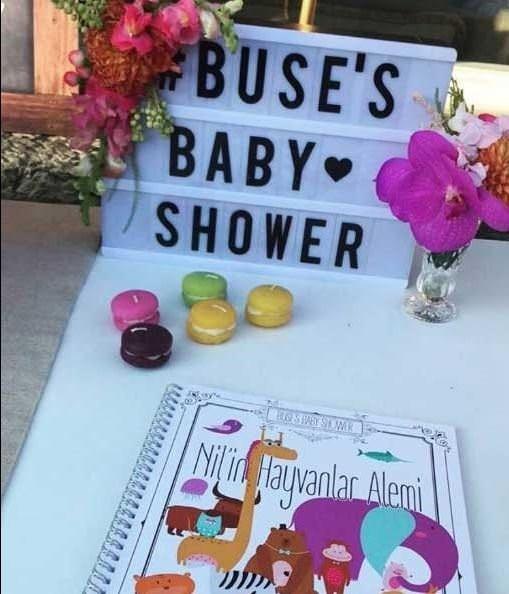 Buse Terim doğumdan bir ay önce Baby Shower partisi yaptı