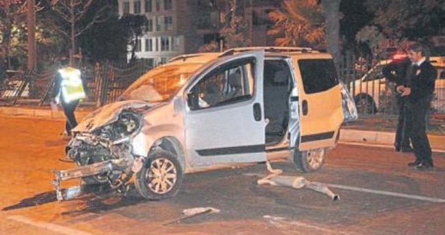 Aşırı hız kazası: 2 kişi ağır yaralı