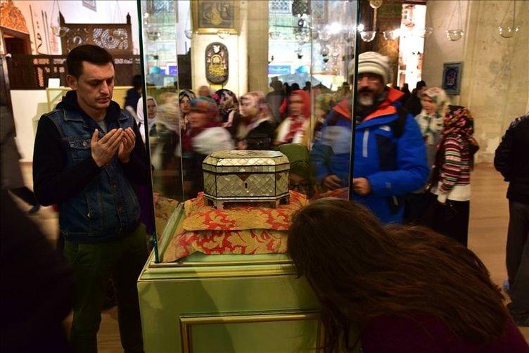 Mevlana Müzesi ziyaretçilerini ağırlıyor
