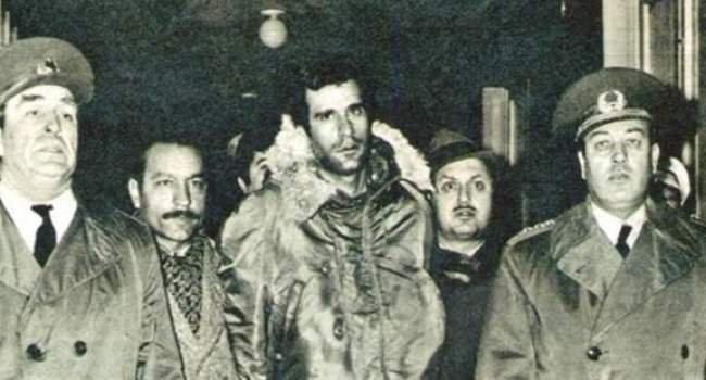 Üç fidanın idama yürüyüşleri