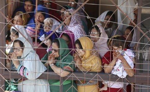 Hindistan'da cenaze izdihamı: 18 ölü