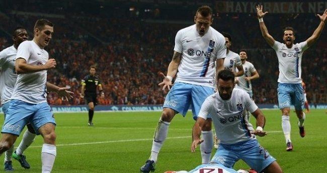 Trabzonspor-Antalyaspor maçı saat kaçta, hangi kanalda? - Canlı yayın maç bilgileri -
