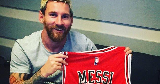 Chicago Bulls'dan Messi'ye özel forma!
